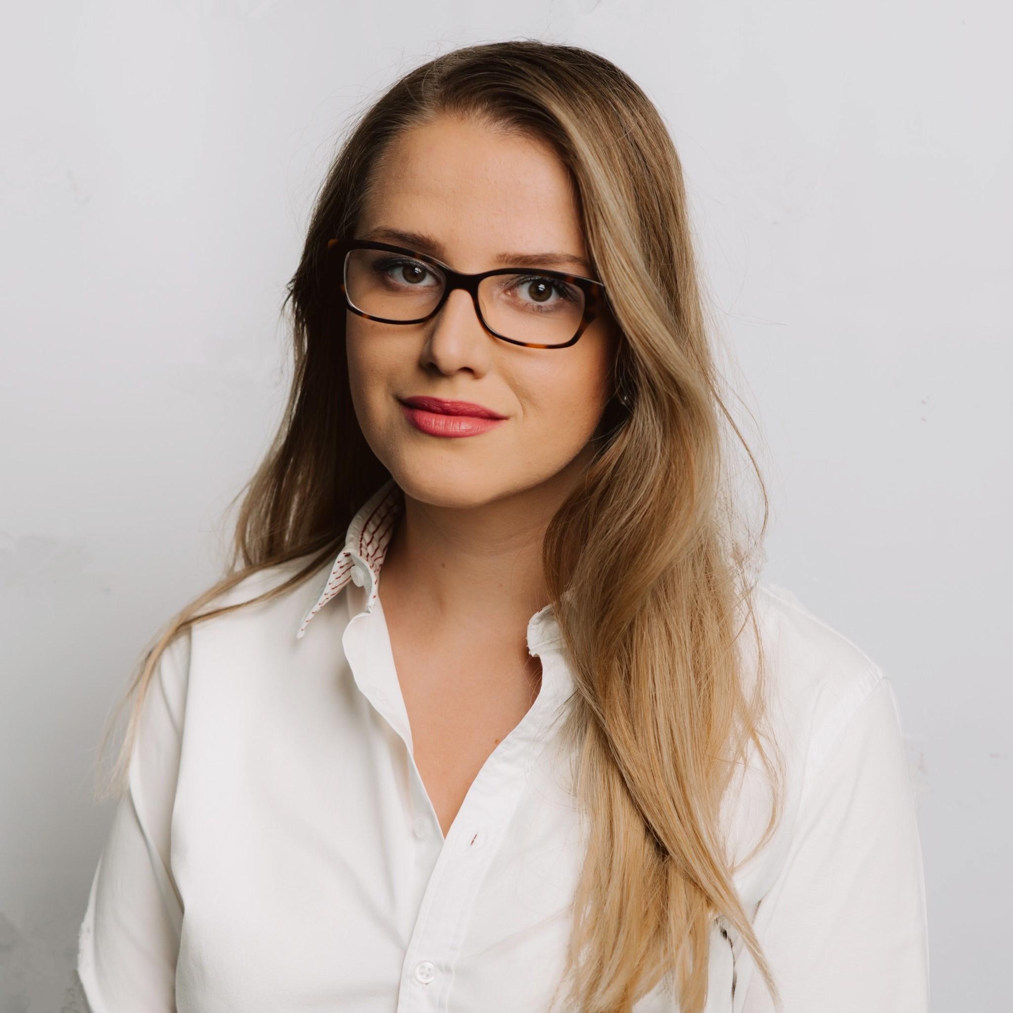 Marina Ștefan, Product Manager, Estée Lauder România: Trebuie să te adaptezi rapid, fără teama de a experimenta