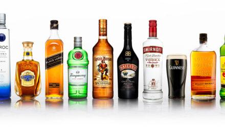 Diageo va vinde Johnnie Walker în sticle de hârtie