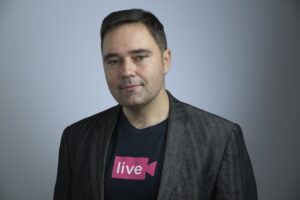 Mihai Drăgan, COO Oveit: Live Stream Shopping permite o legătură directă, interactivă și în timp real între companie și consumator