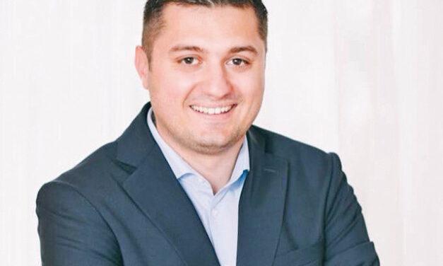 Daniel Stanciu a renunţat la funcţia de director de marketing şi vânzări de la Bayer, unul dintre cei mai mari jucători din industria chimică şi farmaceutică