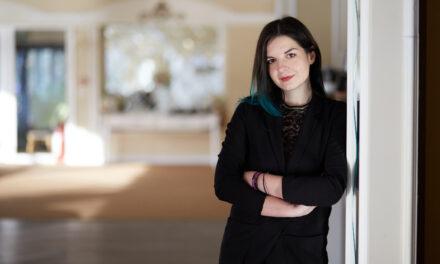 """Oana Predoiu, copywriter pentru eduKiwi – """"Nu există campanie fără argumente de vânzare"""""""