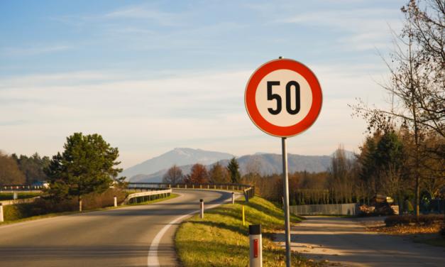Poliția din Ungaria lansează prima aplicație din lume cu recompense pentru șoferii care respectă limitele de viteză