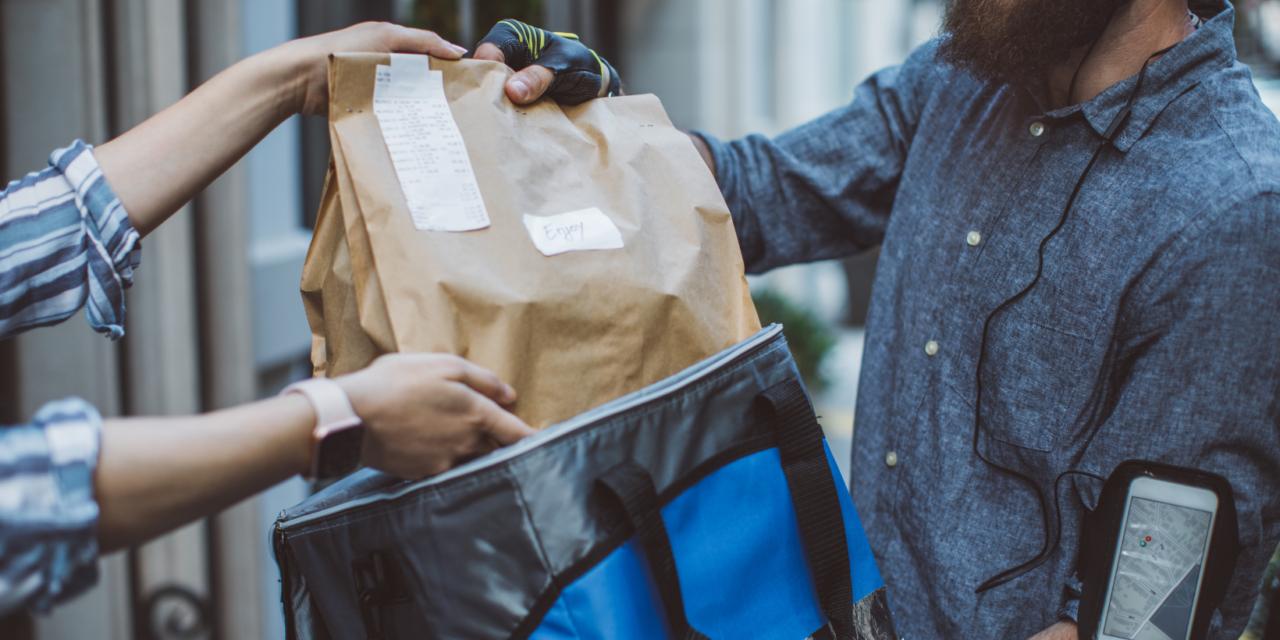 Studiu Reveal Marketing Research: gătit acasă versus food delivery