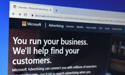 Actualizări Microsoft Ads pentru august: nouă strategie de licitare și noi extensii automate