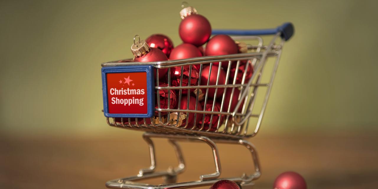 Peste 30% dintre consumatori intenționează să cheltuiască mai mult pentru cadouri în acest an